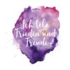 """Schöner Glaubenssatz """"Ich lebe Frieden und Freude"""" auf einer Farbkomposition aus Lila, Pink und Orange"""